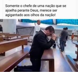 Imagem fora de contexto de Bolsonaro rezando pelos brasileiros diante dos casos daCovid-19